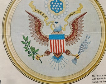 """Seal of the United States Vintage Bucilla Creative Needlecraft No. 2644 Crewel Embroidery Kit with Decorator Frame 13"""" Round"""