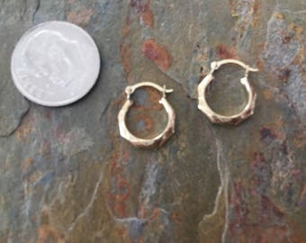 New 10 KT Etched Design Yellow Gold Hoop Earrings Small Sized