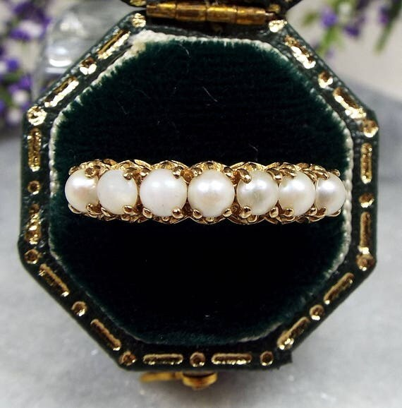 Vintage 9ct Yellow Gold Ornate White Cultured Pearl Half Eternity Ring / Size P 1/2