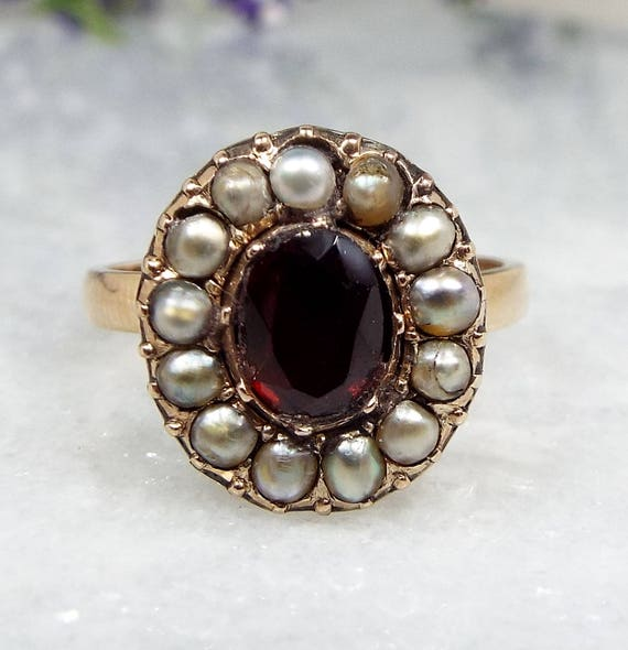Antique Georgian 15ct Gold Red Garnet and White Seed Pearl Cluster Ring / Size N