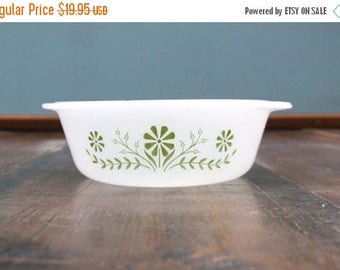 Vintage Floral Milk Glass Casserole Dish [Retro Pyrex Corningware Glassbake Kitchenware] 7.5 inches by 3 inches