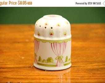 Vintage Shabby Chic Potpourri Ball [Retro Vintage Collectible Ceramic Decor Shabby Chic Made in Japan Japanese] 3.5 inches