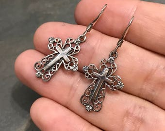 Vintage Sterling silver handmade earrings, solid 925 silver cross with filigree details, stamped 925 SE