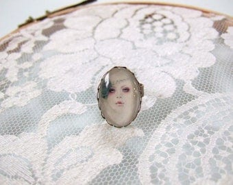Cabochon glass oval Gothic woman face