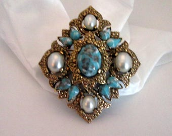 SARAH COVENTRY BROOCH or Pendant - Vintage from the Sixties