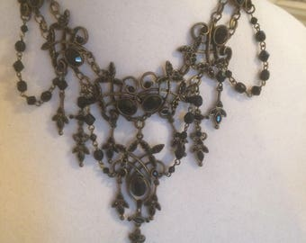 De-Stash Necklace, black and gold