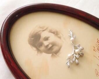 1pc 41x18mm mistletoe leaf branch twig pendant matte rhodium silver with swarovski Pearl