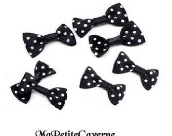 Black bow with white polka dots 30 x 15 mm