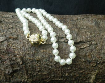 Beautiful Faux Pearl Gold Tone Rhinestone Necklace  New Old Stock