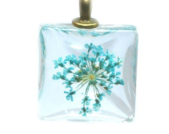 dried flower turquoise glass 20x20mm with bail pendant