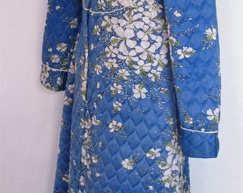 DRESSING GOWN Full length Quilted Genuine 1960s Vintage Blue floral ROBE House Coat