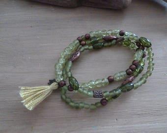 Green boho elastic bracelet trio