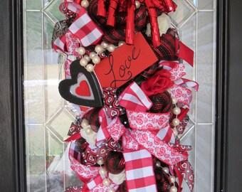 Valentine's Day Wreath, Door Swag, Door Hanger, Wreath for Door, Valentine's Day Decoration, Deco Mesh Wreath