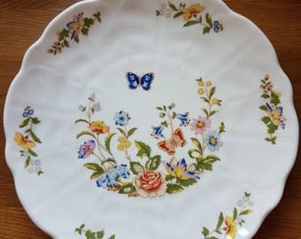 An Aynsley 'Cottage Garden' Plate