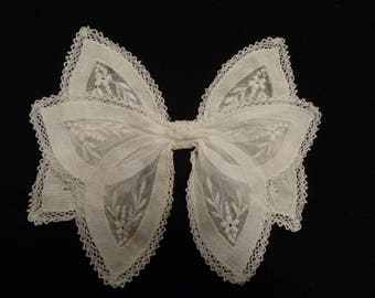 1930's bow for blouse or dress decoration white embroidered hand made lace.