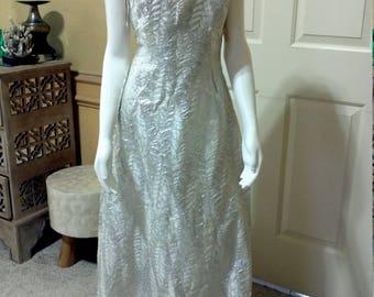 60s Metallic Evening Dress /60s Brocade Maxi Dress /60 Wedding Dress /Silver White Brocade Dress / Prom Dress/Silver Formal  Size Small S 4