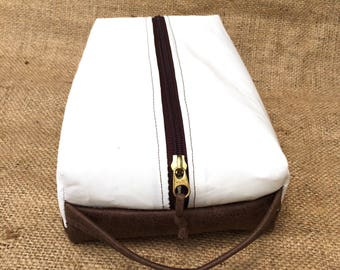 Dopp Kit: Sail cloth and Leather