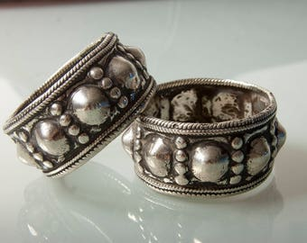 Lovely characterful pair of antique Omani bracelets