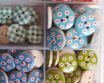 145 pcs wood funky buttons