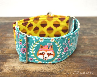 Martingale dog collar model Vegan Fox Redux. Adjustable and handmade with 100% cotton fabric. Fox and acorn norwegian style Wakakan
