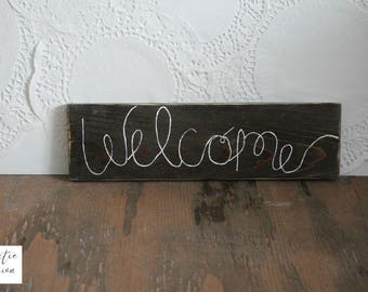 Welcome Sign / Welcome Farmhouse Sign / Housewarming Sign / Neighbor Welcome Gift / Housewarming Gift / Rustic Wood Sign