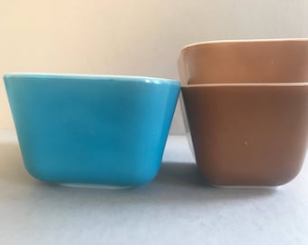 PYREX Refrigerator Dishes #502 # 501 Horizon Blue Old Orchard Brown Ovenware Made in USA Set of Three Vintage Kitchen