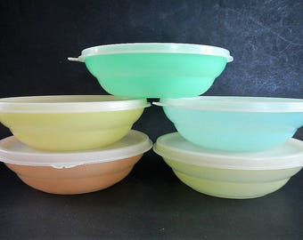Vintage Tupperware 5 Pastel Cereal Bowls or Dishes with Lids - green, blue, yellow, orange - collectible, retro, kitchen, plastic