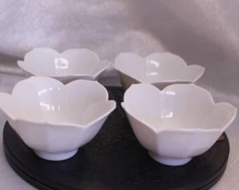 Set of Four Vintage Lotus Tulip bowl Japanese Design White Color