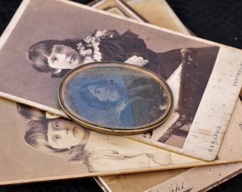 Old collectors Ambrotype Photograph 1850 and some Old Antique Victorian Business Cards.
