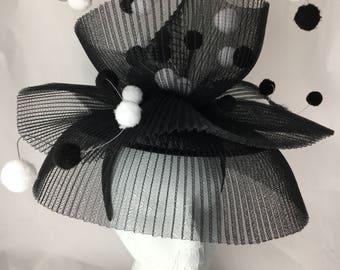 Stunning black & white hat ~ Crinoline, 1950's style ~ Sophisticated and fun! ~ Unique, handmade headwear x