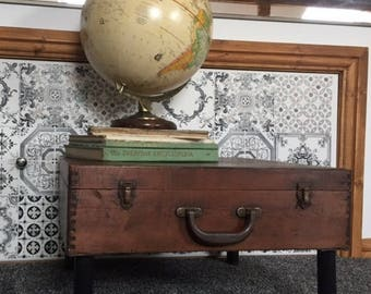 Vintage cake box to coffee table with storage