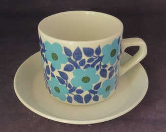 Arabia of Finland, Ahmet tea cup and saucer.