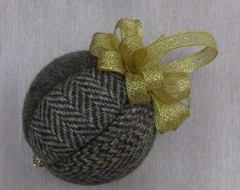 Harris Tweed Country Beige & Gold Christmas Tree Bauble #151