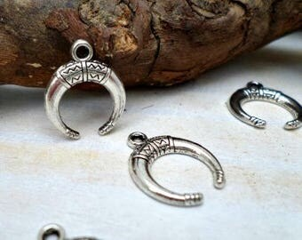 5 charm style Bohemian half moon in antique silver 18mm x 15mm