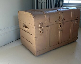 Vintage Antique Steamer Trunk Painted Shabby Cottage Coffee Table Storage  Wood Metal LOCAL PICKUP