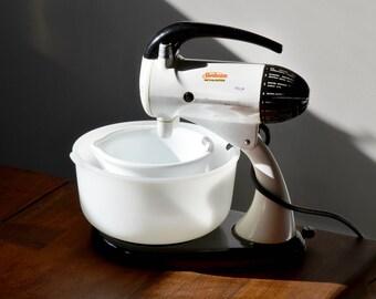 Vintage White Sunbeam Mixmaster, 2 white milk glass bowls, 12 speeds circa 1950s mid century kitchen appliance