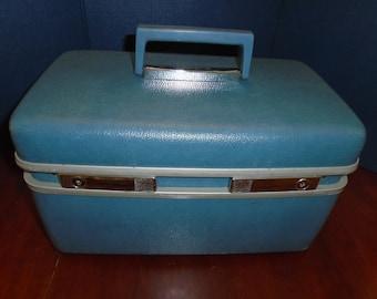 Vintage Samsonite Train Case. Train Case. Vintage luggage. Small suitcase. Luggage