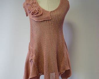 Handmade powder pink linen top, M size. Only one sample.