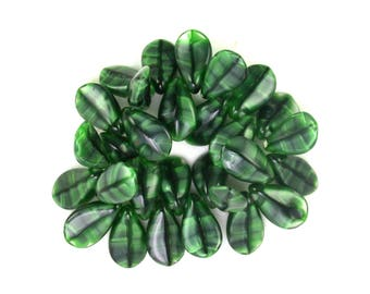 Green silk Malachite finish 8 x 13mm curved daisy petals. Set of 15 or 29.