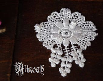 Flower lace guipure white pattern 6 x 7 cm