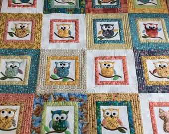 Owl and fox lap quilt or wall hanging, cute appliqué owls in multi colours with one little fox, crib size quilt, table topper picnic blanket