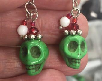 Super cute Grinch earrings.