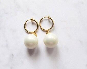 clip on pearl earrings, clip on wedding earrings, cliponearrings, pearl clip earrings, earrings for non pierced ears, non pierced earrings