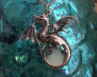 Dragon Necklace Pendant - Glow In the Dark