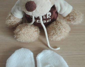 Baby mittens size 0/3 months