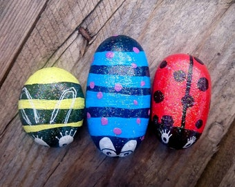 Painted stone, paperweight, garden stone, decorated stone,  pebble, stone garden decoration, hand painted stone, Bee decoration *SET OF 3*