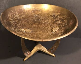 Brass Bronze JUDAICA Pesach or Purim Bowl Jewish ISRAEL GRAPES Hammered Pedestal