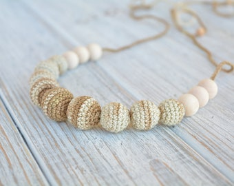 Crochet teething necklace - Natural teething necklace for babywearing & breastfeeding / bottle-feeding - Crochet beads