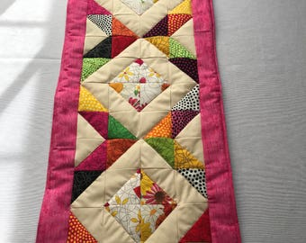 Summer Table Runner, Quilted Table Runner, Colorful Fabric, Floral Table Runner, Table Protector, Colorful Table Runner, Dining Table Runner