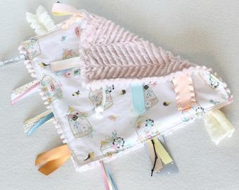Tag Blanket, Sensory Blanket, Baby Girl Tag Blanket, Baby Girl Sensory Blanket, Vintage Floral Girl Blanket, Vintage Floral Minky Blanket